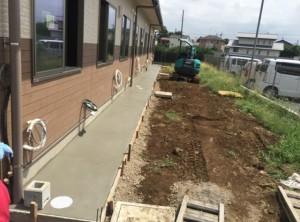 外構工事 犬走り:コンクリート打設